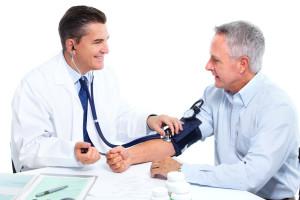 Нередки ситуации, когда самостоятельно полученные данные об уровне артериального давления разнятся с теми значениями, которые мы получаем на приеме у врача