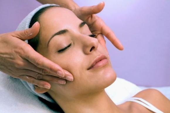 Массаж мышц лица и шеи — не только приятно, но и полезно