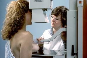 Обследование груди в медицинском учреждении