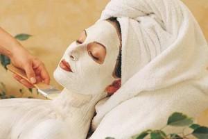 Белая глина в масках для жирной кожи