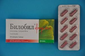 Билобил Форте в фармацевтике выступает как натуральный ангиопротектор, который улучшает эластичность и гибкость кровеносной системы