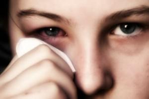 Полудан можно использовать, как капли в нос, так и в качестве глазных капель.