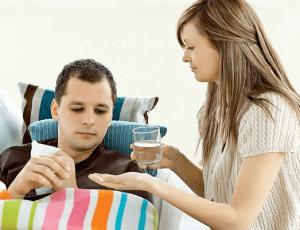 Обильное питье и медикаменты помогут справиться с лихорадкой