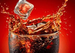 Газированный напиток Кока-кола