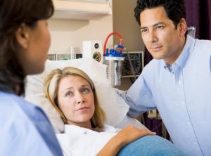 У возрастных рожениц может слабеть родовая деятельность