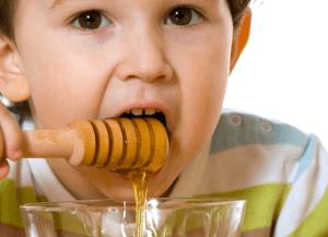 Мед у ребенка может вызвать аллергию