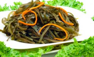 Салат из морской капусты и моркови