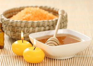 Соль и мед для маски