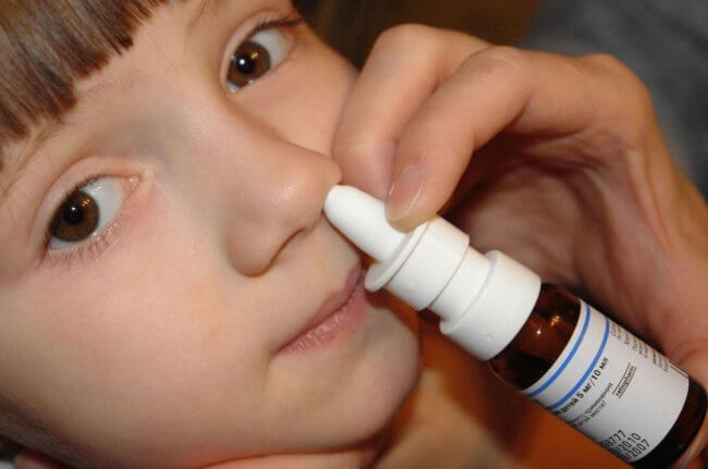 Диоксидин от насморка детям: польза и вред препарата