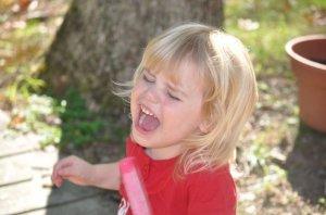 Как предотвратить истеричное поведение у детей старшего возраста?