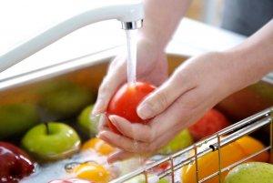Плохо вымытые овощи ведут к развитию сальмонеллеза в организме
