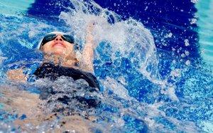 Упражнения на воде при сколиозе