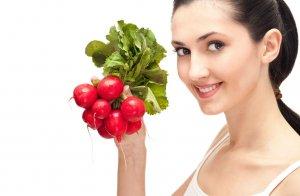 Корнеплод редис помогает при запорах во время беременности