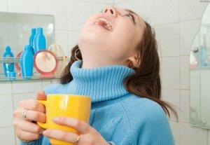Процедура полоскания горла при кашле