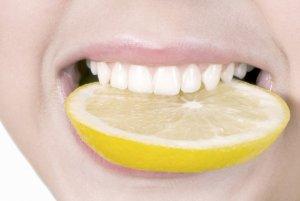 сСредство на основе соды, перекиси водорода и лимонного сока