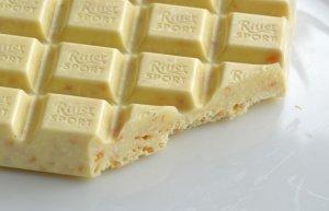 Белый шоколад сдержит много сахара