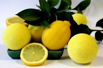 Понижаем холестерин лимонами и чесноком