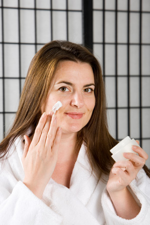 Первый крем от морщин — забота о коже с юного возраста