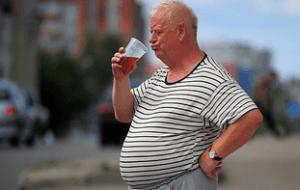 У мужчин появляется пивной живот