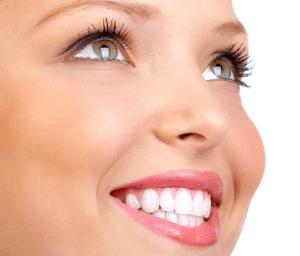 Белоснежные здоровые зубы