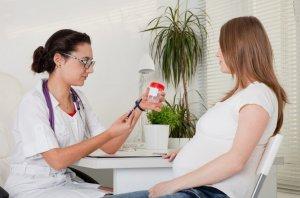 Причины наличия белка в моче у беременной