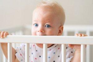 Как проходит день у ребенка 9 месяцев