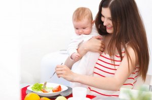 Продукты, богатые витаминами полезны кормящей маме