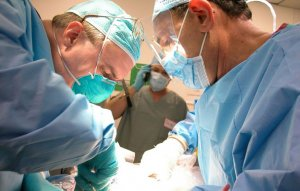 Хирургическое вмешательство по поводу кистозного образования в простате