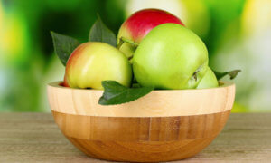 Наличие углеводов я яблоках разных сортов и цвета